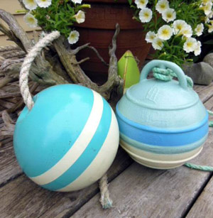 Metal Floats in pastel colours